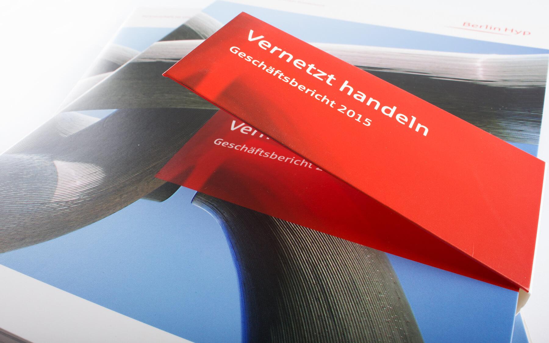 print-agentur-kataloge-werbematerial-stationery-plakate-kampagnen-werbeagentur-berlin-corporate-design- mappe