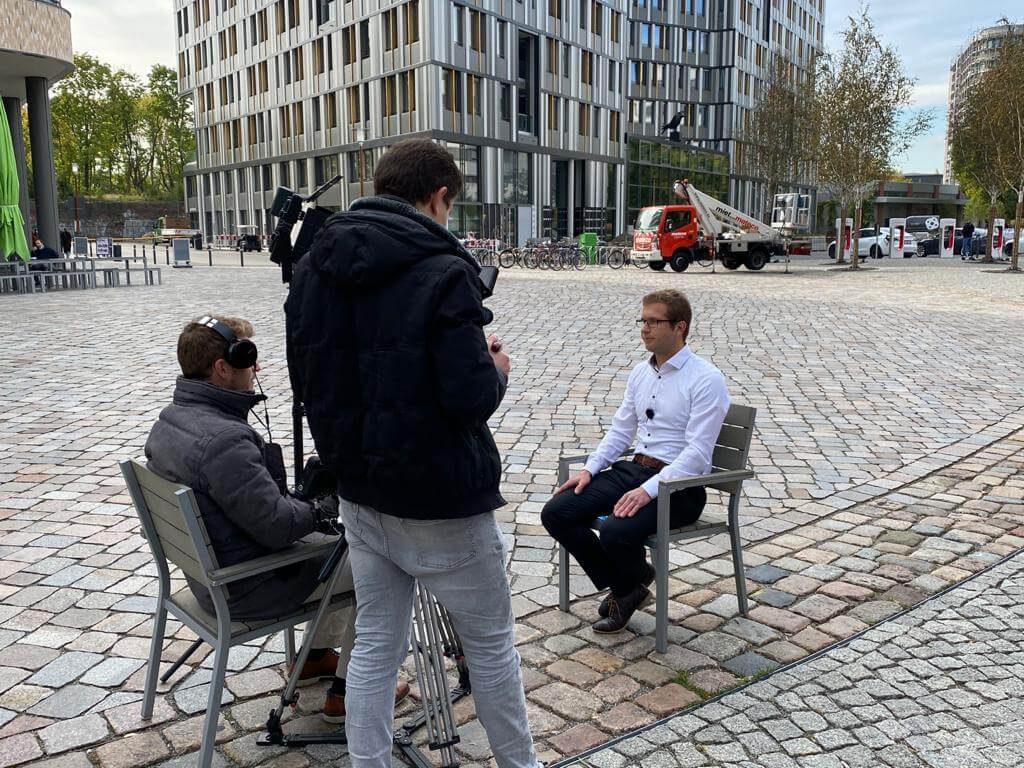 werbefilm produktion berlinwerbung commercial spot tv werbung werbeagentur berlin animation schnitt / Dreharbeiten Video infrest auf EUREF-Campus Berlin